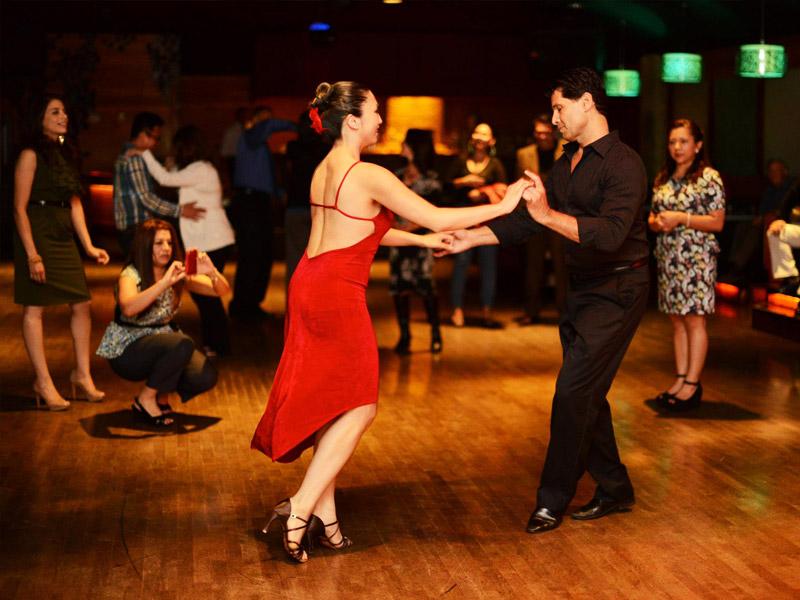 plesni-tecaji_druzabni-plesi